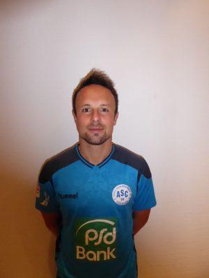 #13 Adrian Kinscher