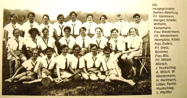 1928 war das Gründungsjahr der Damenabteilung im ASC 09. Nicht alle Männer im Verein waren begeistert . . .