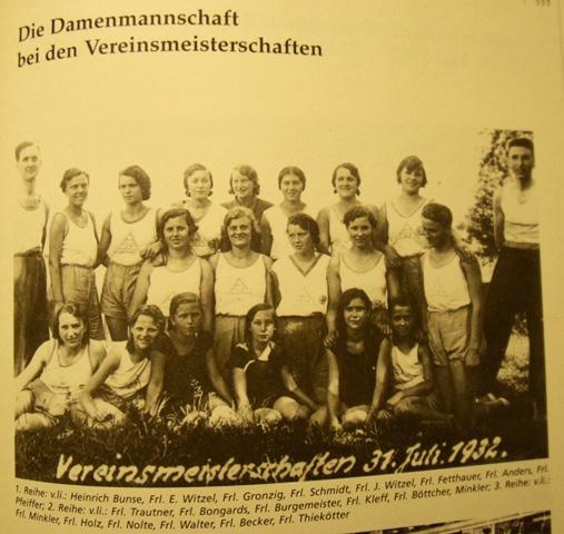Die Damenmannschaft bei den Vereinsmeisterschaften 1932.