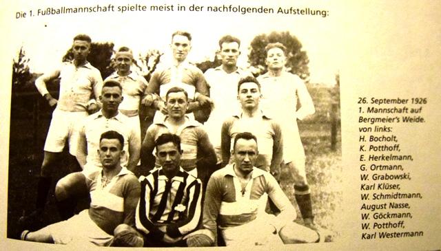 Die 1. Fußballmannschaft im Sommer 1926.