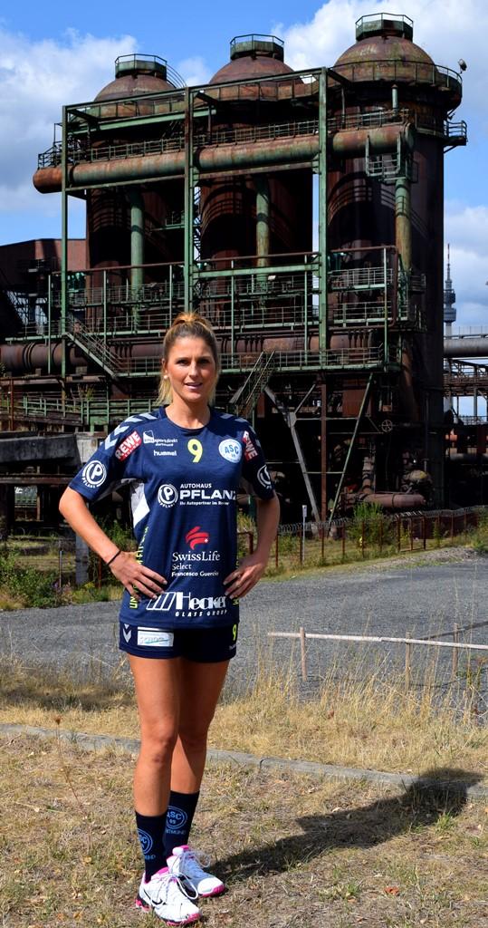 #9 Annika Kriwat - Rückraum, Linksaußen