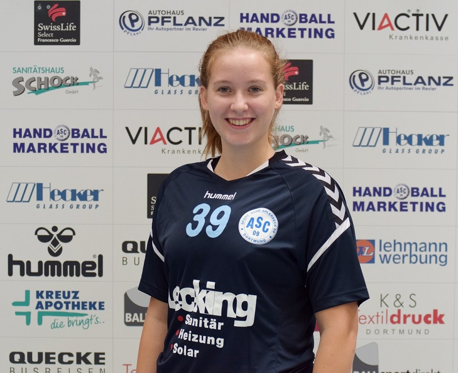 #39 Zoe Möller