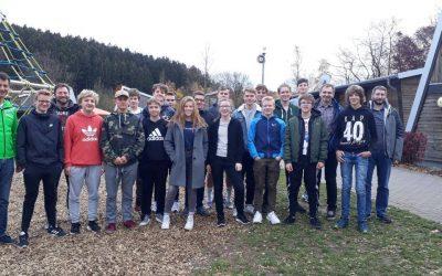 Junge Mountainbiker bei der Kids-Coach Ausbildung der Radsportjugend NRW