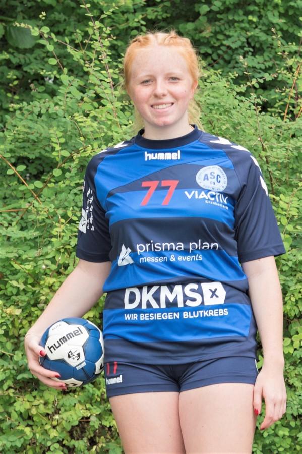 #77 Malena Weber