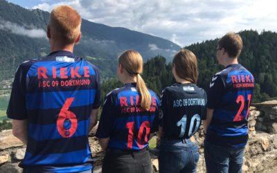 ASC 09-Urlaubsfotoaktion: Familie Rieke grüßt aus den Bergen