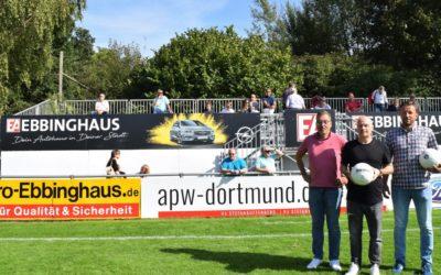 Ebbinghaus-Tribüne schmückt das Waldstadion!