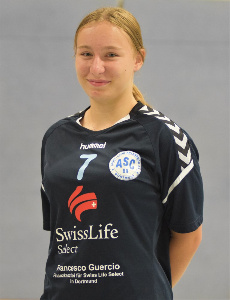 #7 Sarah Wosnitza