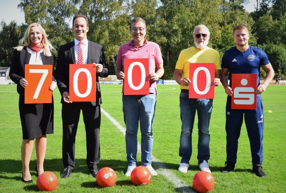 Vereinsheim-Sanierung: Sparkasse unterstützt ASC 09 mit 7.000 Euro