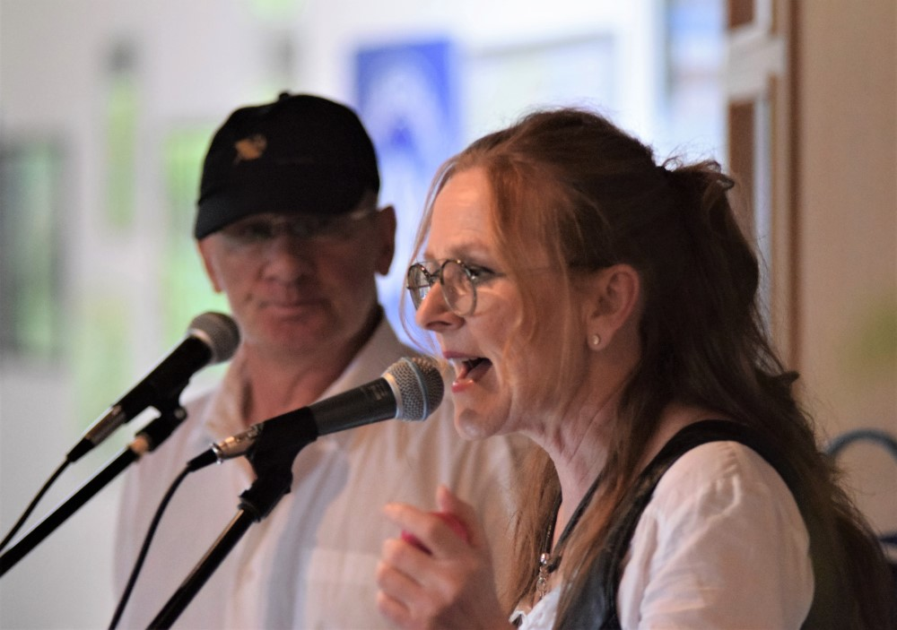Die Band X-ILEWN mit Claudia und Thomas Ahrens sorgte für einen tollen musikalischen Rahmen.
