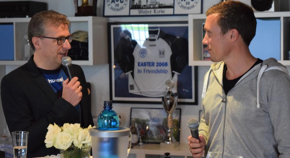 Vorstandsmitglied Frank Fligge interviewte den früheren ASC 09-Trainer Hannes Wolf.