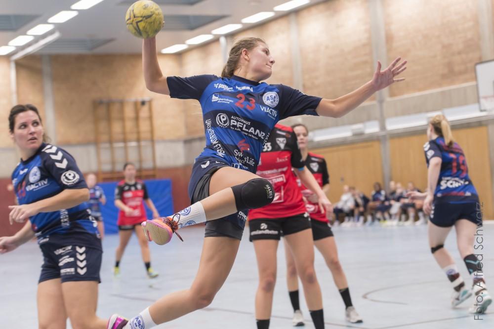Handballer feiern am Zurück-Zuhause-Heimspieltag wichtige Siege