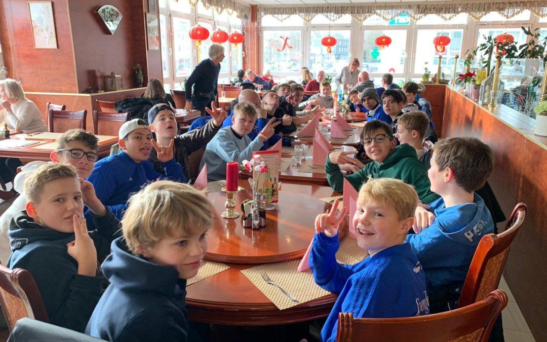 C2-Junioren feiern beim Weihnachtsessen die Herbstmeisterschaft
