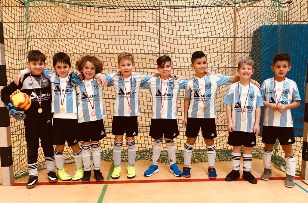 F2-Junioren starten mit Turniersieg ins neue Jahr !