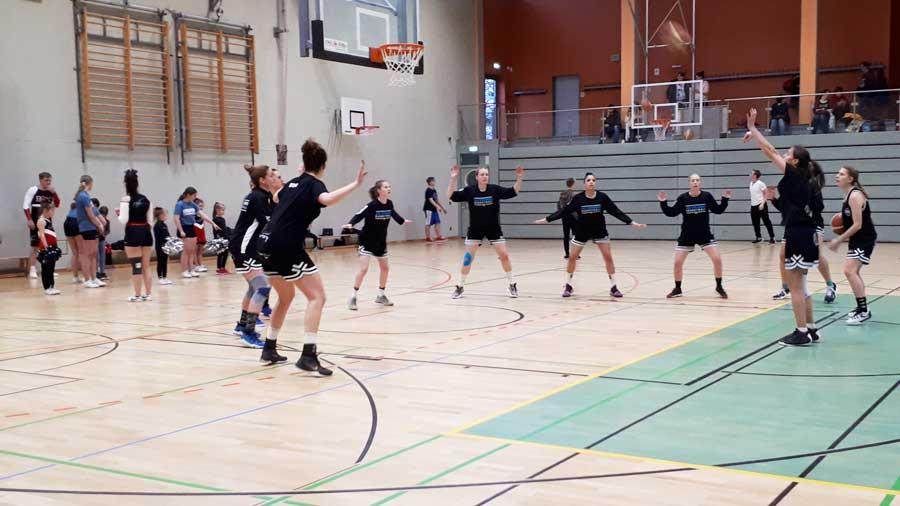 """Basketball Damen 1: Ein Satz mit """"X"""""""