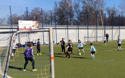 Hitziges Duell im Waldstadion – E1-Junioren überzeugen in der zweiten Hälfte..!