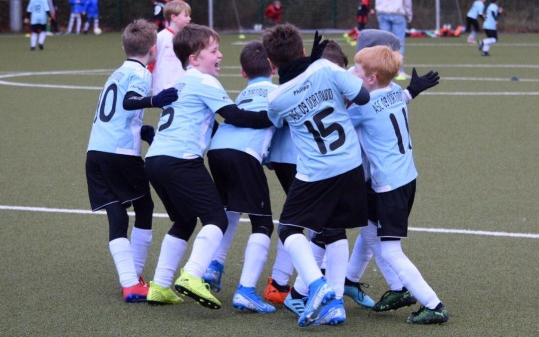 F1-Junioren drehen Spiel gegen den Kirchhörder SC und rocken weiter ihre Liga !