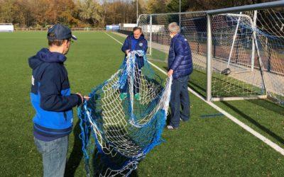 Fußballjunioren nutzen den Lockdown sinnvoll –  Equipment-Erneuerung im Emscherstadion