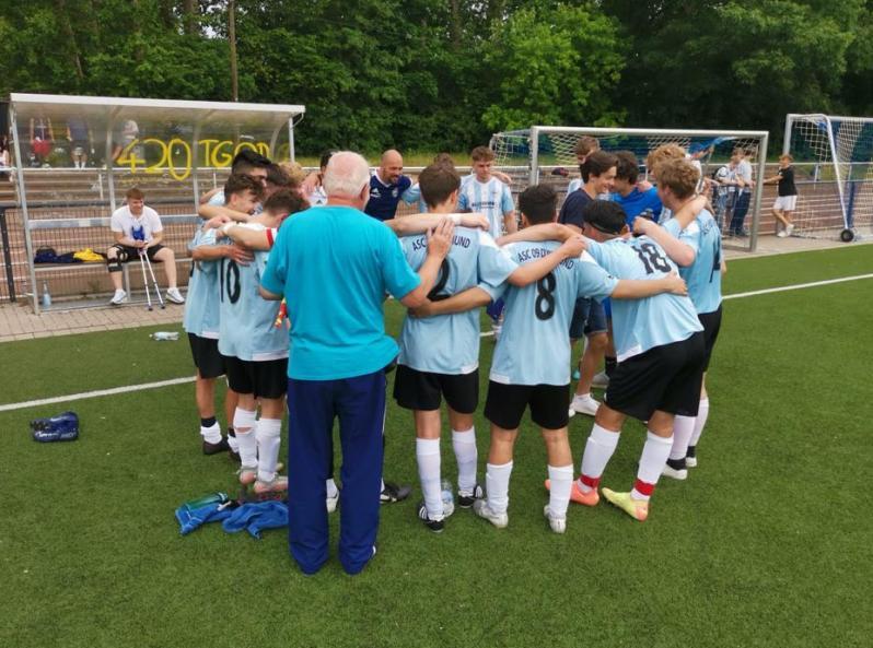 Auftritt als geschlossene Einheit – A1-Junioren schlagen Landesligisten
