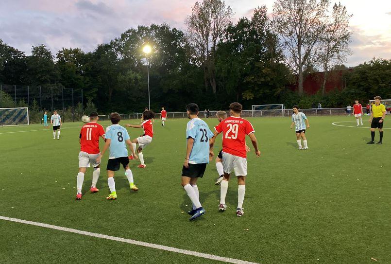 Fünf Tabellenführer und viel Erfreuliches mehr – Fußballjunioren ziehen Zwischenbilanz nach sieben Spieltagen